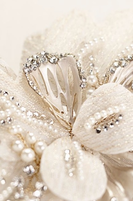 Item - Gold/Pearl C9048 Hair Accessory