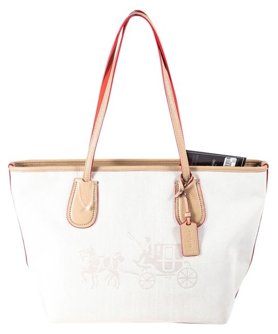 Item - Edie Taxi * Embossed Horse and Carriage Zip In Beige Canvas/Leather Tote