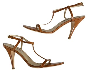 Oscar de la Renta Patent Leather Strapp Heels Luxury Leather Ankle Strap Tan Sandals