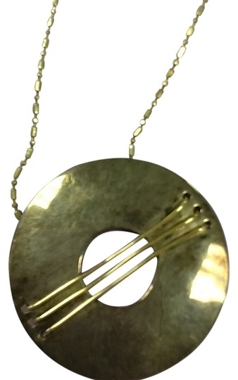 Preload https://img-static.tradesy.com/item/13004095/silver-chain-and-pendant-necklace-0-2-540-540.jpg