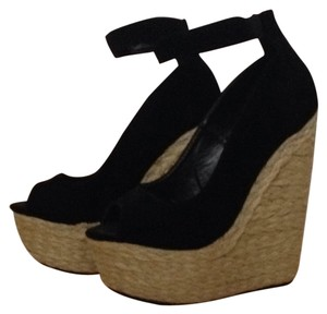 Love Culture Black Wedges