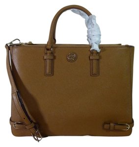 Tory Burch Tote in Tan/Brown