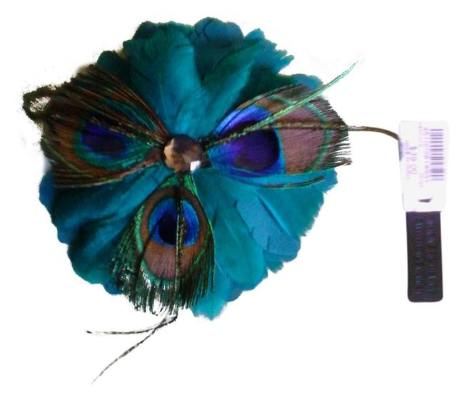 Item - Peacock Green Blue Color New Magnetic Brooch Sold Out In Stores Great For Fall and Winter