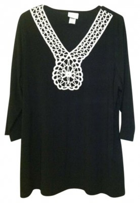 Preload https://item2.tradesy.com/images/jaclyn-smith-black-white-tunic-size-16-xl-plus-0x-130101-0-0.jpg?width=400&height=650