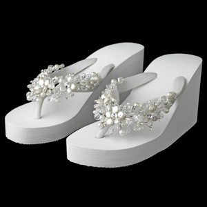 Elegance by Carbonneau White Flip Flops Beach Wedges Size US 8 Regular (M, B)