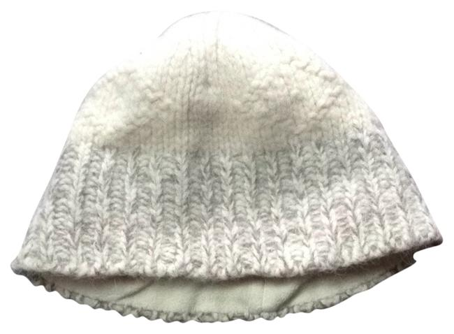 Item - Grey/ Cream Fitted Knit Beanie Hat