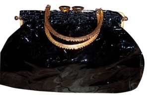 Clara Kasavina Shoulder Bag