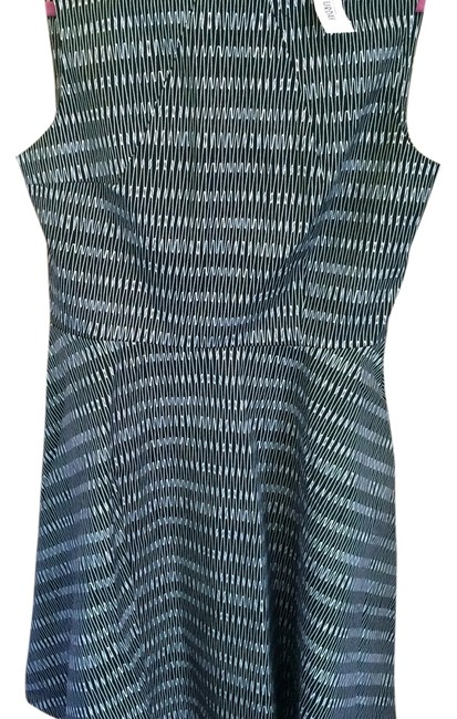 Item - Black and White Short Work/Office Dress Size 6 (S)