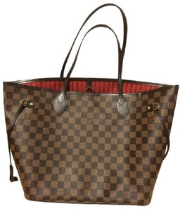 Louis Vuitton Tote in Red lining