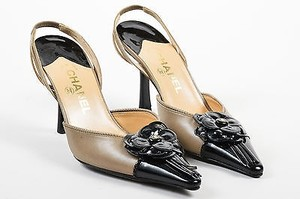 Chanel Black Leather Gray Pumps