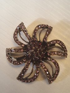 Other Gorgoues Vintage Style Bronze Plated Brooch