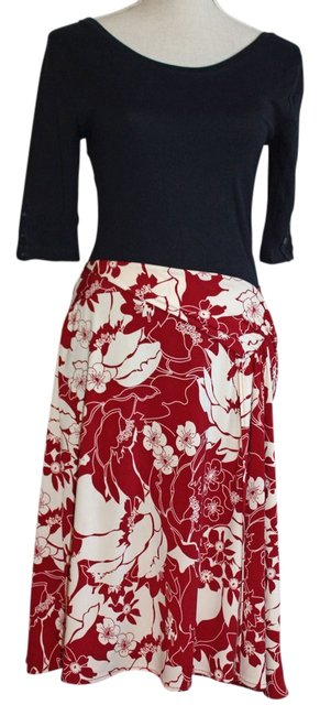 Preload https://img-static.tradesy.com/item/13032883/bcbgmaxazria-deep-red-floral-wrap-knee-length-skirt-size-8-m-29-30-0-1-650-650.jpg