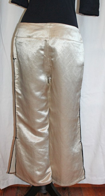 Max Studio Capri/Cropped Pants Ivory Silk with Black Piping