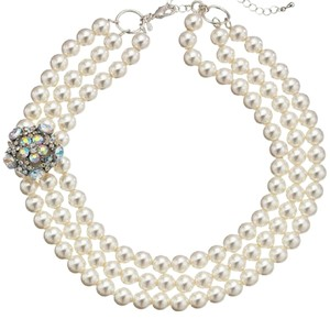 Other three stranded pearl necklace