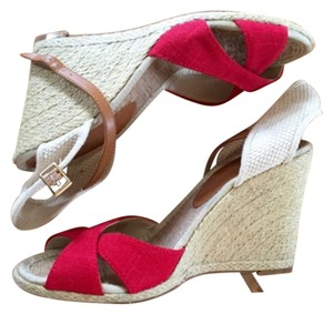 BCBGeneration Red/neutral Wedges