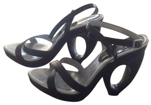 Luichiny Black and silver Platforms
