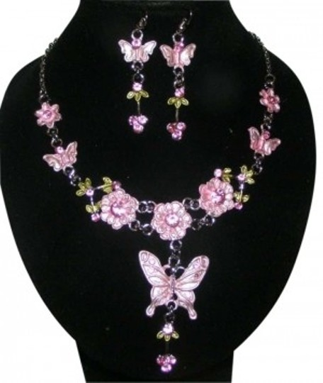 Preload https://item4.tradesy.com/images/pinksilver-2pc-butterfly-earring-set-free-shipping-necklace-130408-0-0.jpg?width=440&height=440