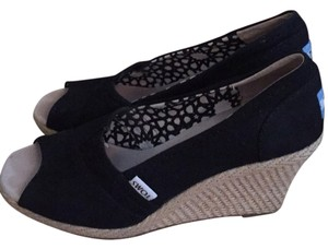 TOMS Blac Wedges