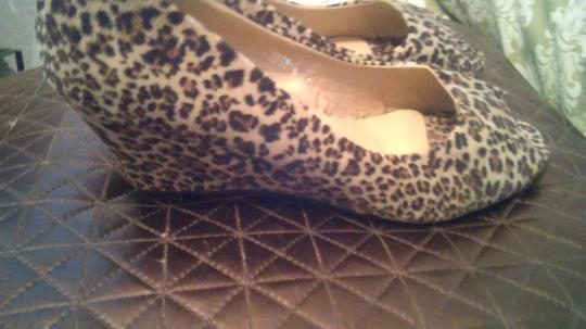 VENUS Brown and black leopard Pumps