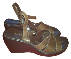 Liz Claiborne Brown Sandals