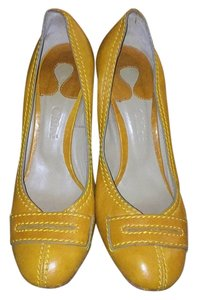 Chloé Yellow Pumps