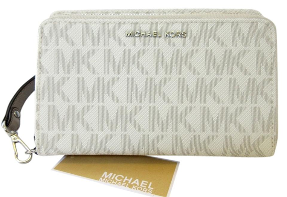 cc57a5513ad0 Michael Kors Pearl Grey Silver Adele Large Signature Phone Case Wristlet  Wallet