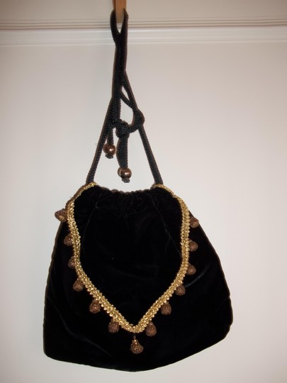 La Regale Shoulder Bag