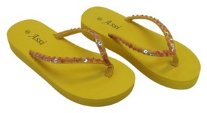 Assi New Size 9.00 Very Good Condition Yellow Sandals