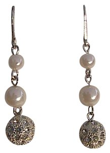 Avon Avon Pearlesque Dangling Earrings