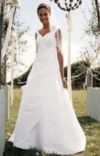 David's Bridal White Polyester T9799 Traditional Wedding Dress Size 0 (XS)