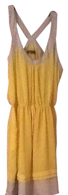 Preload https://item5.tradesy.com/images/double-zero-yellow-and-grey-short-casual-dress-size-12-l-1306434-0-0.jpg?width=400&height=650