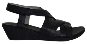 Bare Traps Wedge Black Sandals
