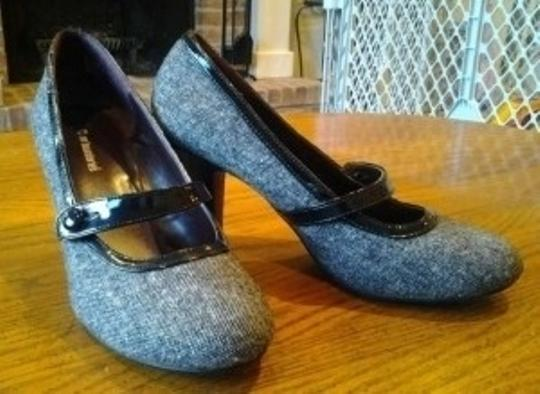 No Boundaries Gray Pumps
