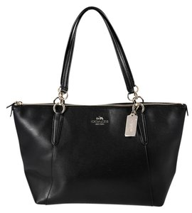Coach Pebbled Leather Goldtone Hardware Tote in Black