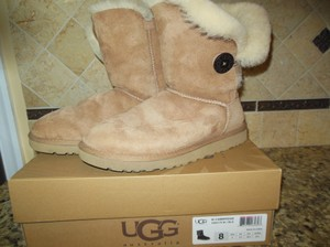 UGG Australia Bailey Button Suede Shearling Chestnut Boots