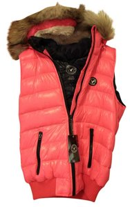 American Eagle Outfitters Marshmallow Puffy Faux Fur Hot Cute Vest