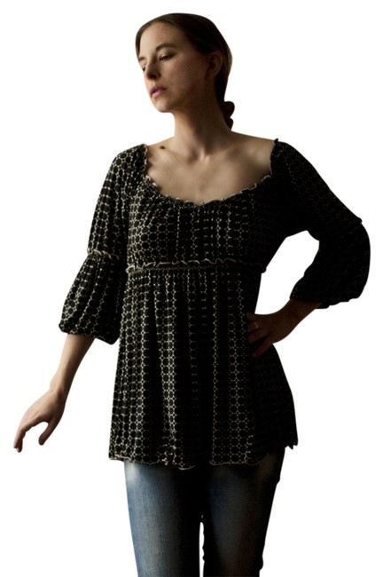 Preload https://item1.tradesy.com/images/max-studio-monochrome-top-black-and-white-1307845-0-0.jpg?width=400&height=650