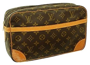 Louis Vuitton Monogram Canvas Clutches Handbags Wristlet in Brown