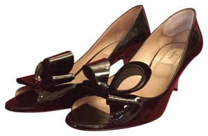 Valentino Bow Peep Toe Black patent leather Pumps