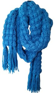 Old Navy Teal knit scarf