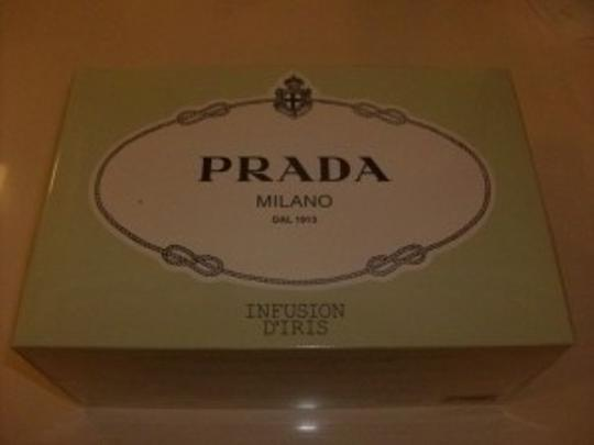 Preload https://img-static.tradesy.com/item/13082/prada-infusion-d-iris-gift-set-fragrance-0-0-540-540.jpg