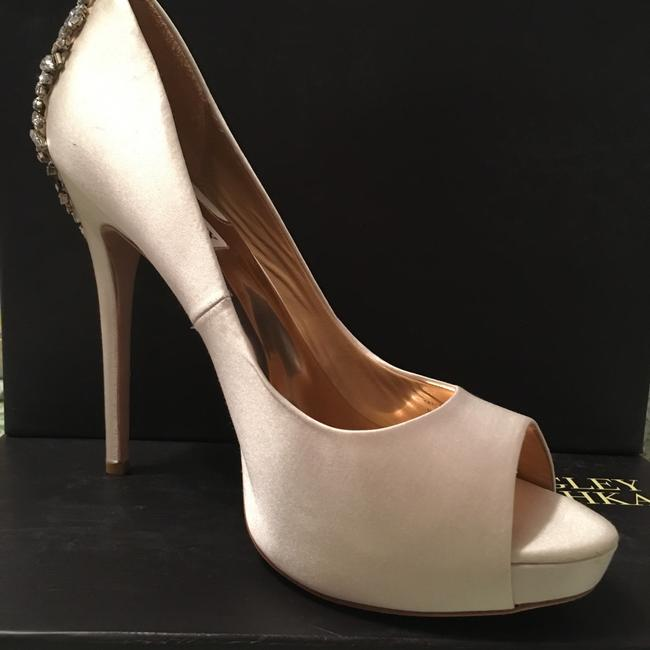 Item - Ivory Platforms Size US 10 Regular (M, B)