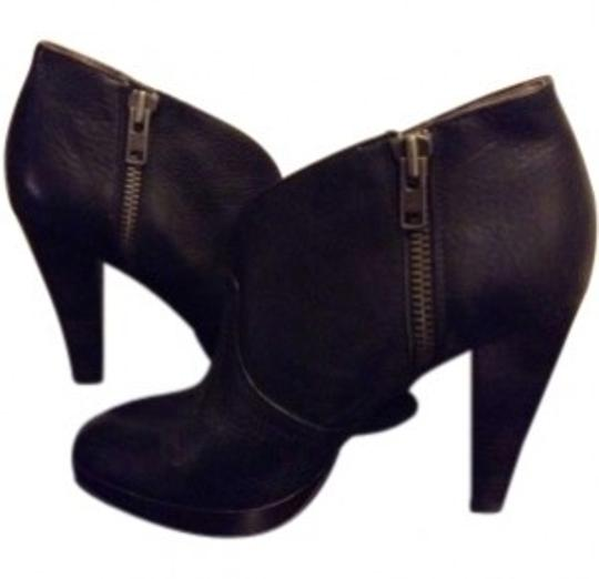 Preload https://item4.tradesy.com/images/frye-black-harlow-campus-ankle-bootsbooties-size-us-85-130843-0-0.jpg?width=440&height=440