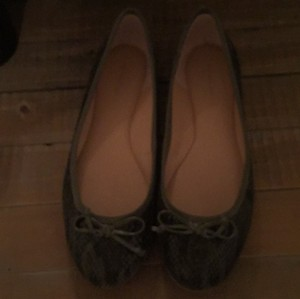 Banana Republic Green Flats