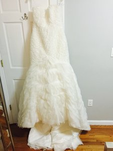 Pronovias Ivory Organza Modern Wedding Dress Size 10 (M)