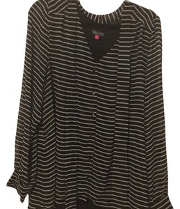 Vince Camuto Top Stripes. Black and white