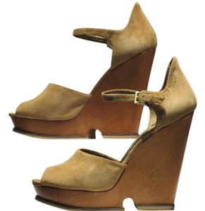 Sam Edelman Recently Sold On Camel Suede Wedges