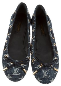 Louis Vuitton Denim Hardware Blue, Gold Flats
