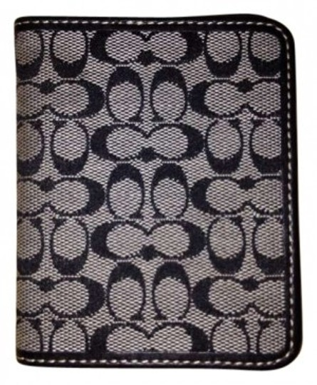 Preload https://item3.tradesy.com/images/coach-card-holder-blackgray-clutch-130922-0-0.jpg?width=440&height=440
