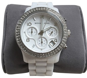 Michael Kors Ceramic White Watch Model MK5188